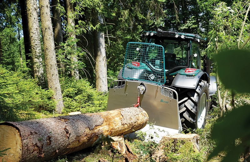 Tractor-mounted winches join the Spaldings range