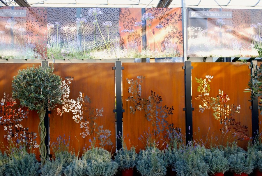 Hedgehog-friendly steel & aluminium panels for garden fencing or screens
