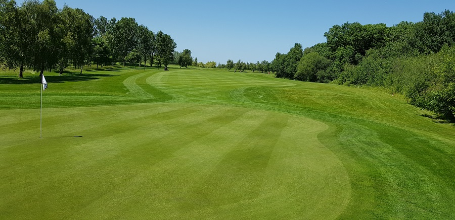 Headland EPH programme reduces costly fungicide applications for Stratford Oaks GC