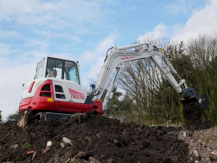Return of the magnificent seven – the new 7-tonne Takeuchi