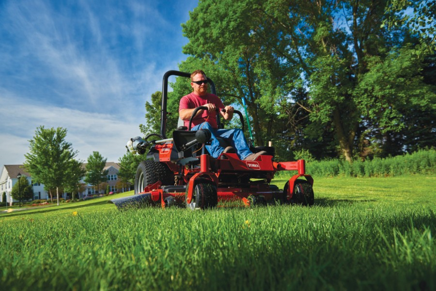 Deliver professional results with the Toro® TITAN® HD with MyRIDE®