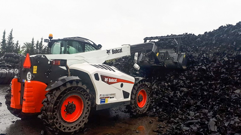 New Bobcat TL43.80HF Waste Expert telescopic loader  excels