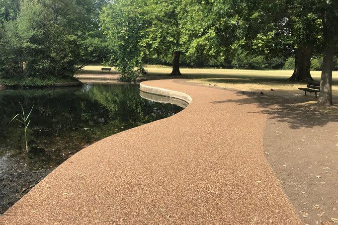 Terrabase Rustic provides seamless resin bound walkways