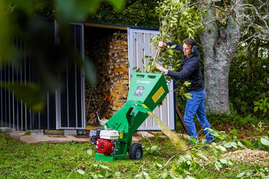 Hansa joins forces with Lawn Care Legends to give away £2,600 chipper