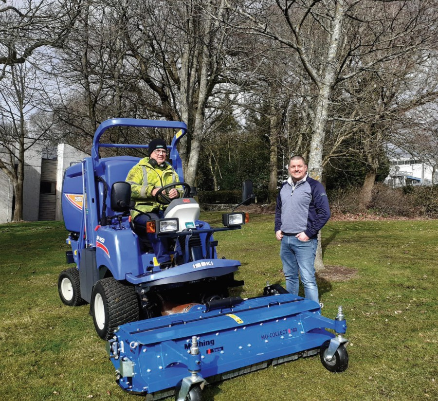 NHS Tayside goes for ISEKI SF450 with Muthing fl ail