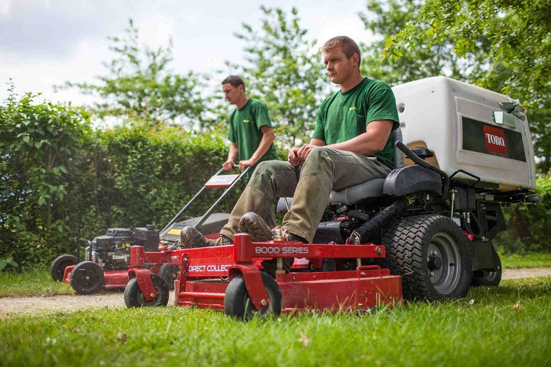 Z Master 8000 offers a superior groundscare solution