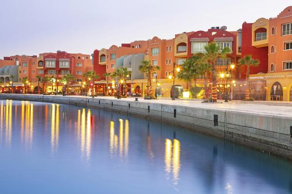 Farbenfrohe Häuser in Hurghada