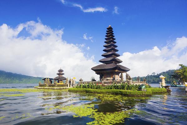 Pura Ulan Danu Tempel am Bratan-See
