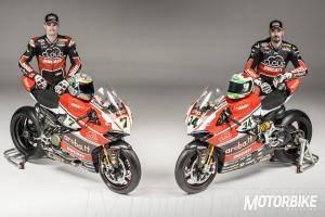Chaz Davies y Davide Giugliano Ducati Panigale R - Motorbike Magazine