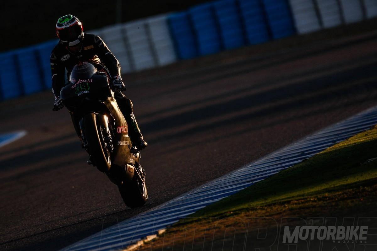 Davide Giugliano test Jerez WSBK 2015 - Motorbike Magazine