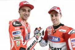 Andrea Iannone y Andrea Dovizioso - Ducati MotoGP 2015 - Motorbike Magazine
