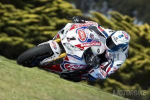 Sylvain Guintoli WSBK 2015 Pata Honda Phillip Island - Motorbike Magazine