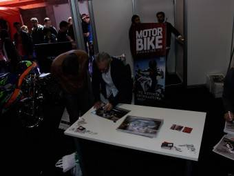 WayneGardner CarlosCardus MotoMadrid Motorbike Magazine 122