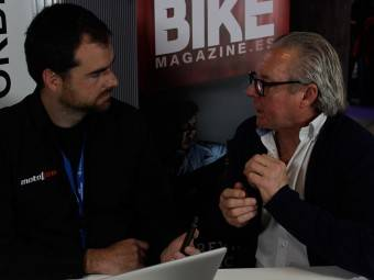 WayneGardner CarlosCardus MotoMadrid Motorbike Magazine 300