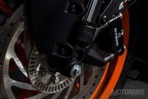 KTM RC 390 - Frenos