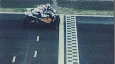 GP de la República Checa 1996. La foto finish dio como ganador a Crivillé por sólo dos milésimas en Brno.
