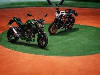 Kawasaki Z300 KTM Duke 390 Comparativa 01