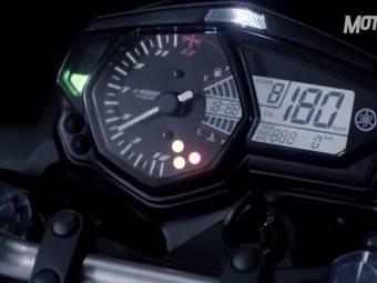 Video Yamaha MT-03 2016