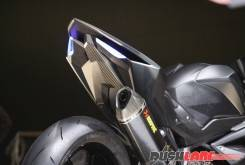 Honda CBR250RR lightweight super sport hi res photo 1