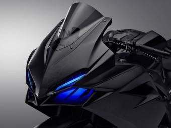 Honda CBR300RR 2016 Tokio 01