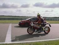 Honda Civic Type R vs. Honda CBR1000RR SP 05