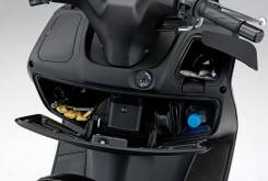 Suzuki Burgman 200 1 1200x799