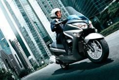 Suzuki Burgman 200 12 1200x799