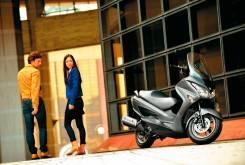 Suzuki Burgman 200 15 1200x799