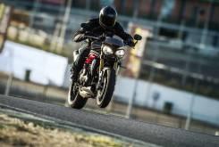 Triumph Speed Triple R 2016 3