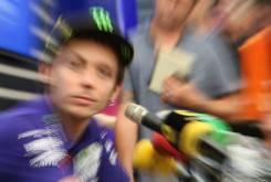 Valentino-Rossi-Carmelo Ezpeleta MotoGP Valencia 2015