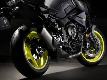 Yamaha MT 10 2016 detalles 03