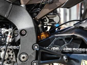 Yamaha YZF R1M 13