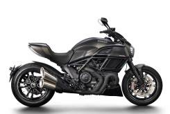 Ducati Diavel 1200 Carbon - Estudio