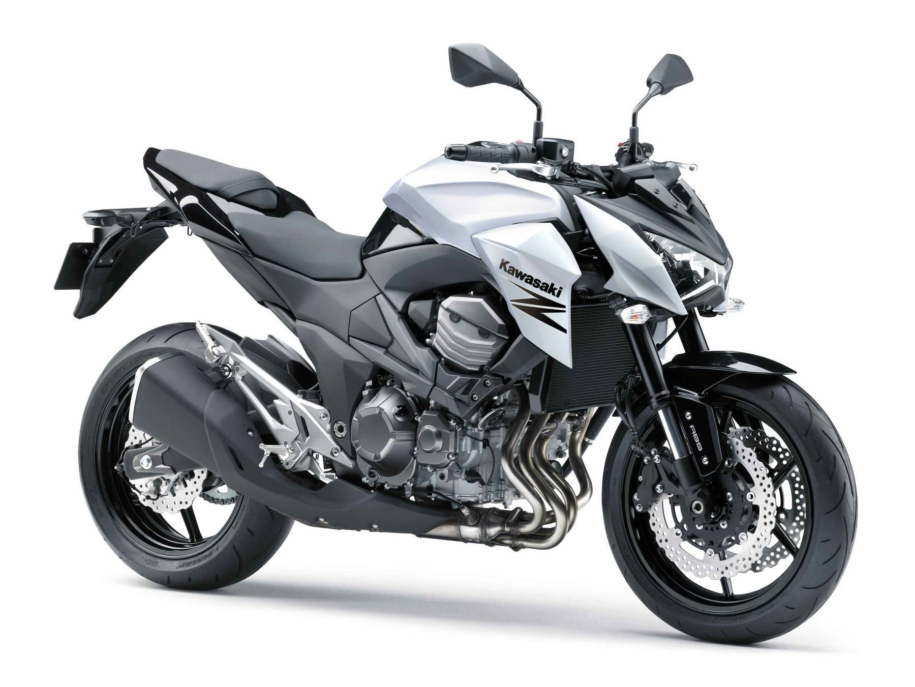 Kawasaki Z800e 2015 - Precio, fotos, ficha técnica y motos rivales
