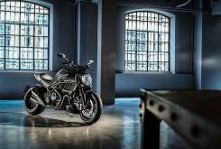 Ducati Diavel Carbon 2016 001