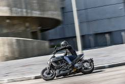 Ducati Diavel Carbon 2016 003