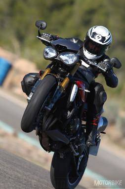 Prueba Triumph Speed Triple R 2016 013