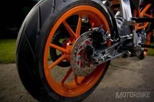 KTM 390 Duke - Motorbike Magazine #MBK01