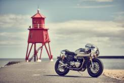 triumph thruxton r down out 11