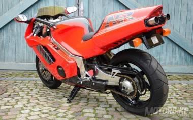 Honda NR750R 24