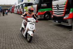 Marc Marquez MotoGP Assen 2016 scooter