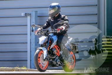 KTM 125 Duke spied