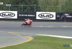 Caida salvada Marc MarquezFP2 Brno 201611