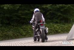 Video Honda CBR250RR 2016 Young Machine