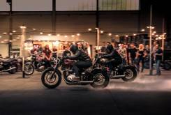 triumph bobber 2017 video 06