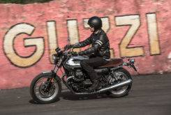 moto guzzi v7 iii anniversario 2017 04