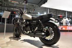 moto guzzi v9 bobber 2017 02