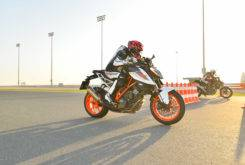 prueba ktm 1290 super duke r 2017 drag race 1