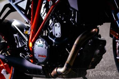 prueba-ktm-1290-super-duke-r-motor-1