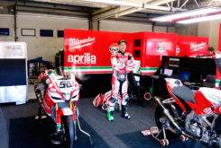 Milwaukee Aprilia WSBK 2017 01
